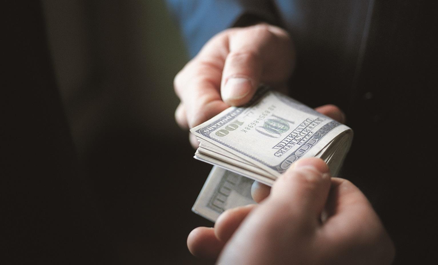 Помощник томского лесничего пойдет под суд за получение взятки в размере 190 тыс рублей