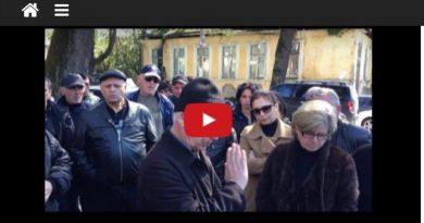 Родственники удерживаемого в СИЗО депутата провели акцию протеста в Сухуме
