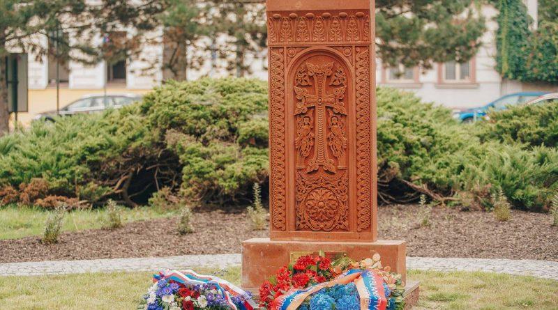 В Чехии установлен мемориал жертвам геноцида Армян